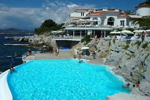 10 hotel con piscine mozzafiato  Viaggi di Surus