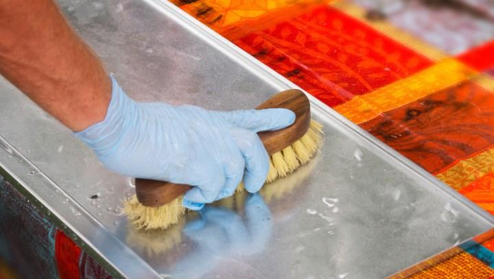 BBQ-Clean-drip-tray.jpg