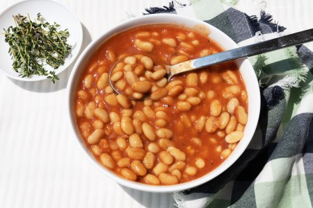 Tangy Tomato Baked Beans