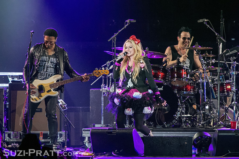 Avril Lavigne concert photography