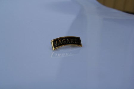 Unique Jägare pin in gold and black, excellent for your suite