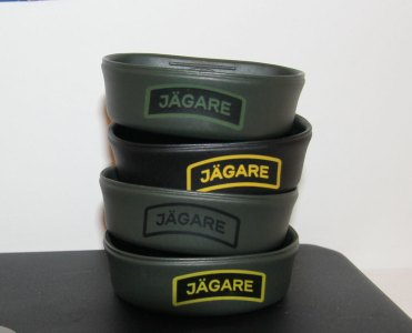 Folding Cups with JÄGARE print, three green and one in black
