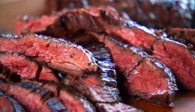 Eine Bevölkerung, die weniger Fleisch isst, wirkt nachhaltiger als ein paar vegane Gemüsekrieger.