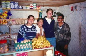 Anna avec Vicente et les membres de sa famille