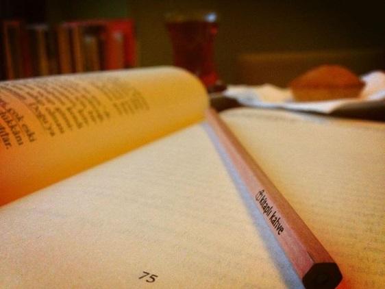 Kitaplı Kahve Kalemi