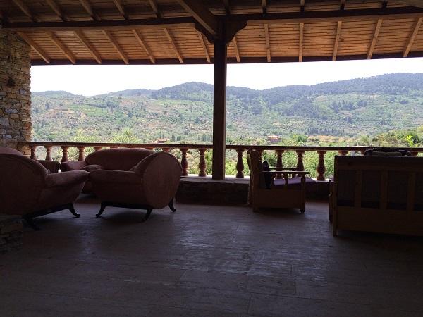 Nesin Matematik Köyü'nde yer alan bir dinlenme/keyif yapma bölgesi