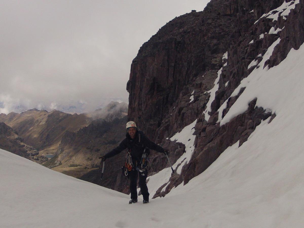 Entrando a la pared Este del Nevavado Capacsaya