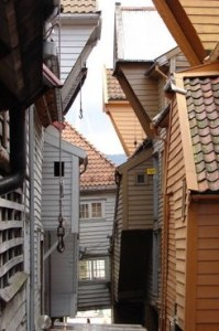 Bryggen, in between.