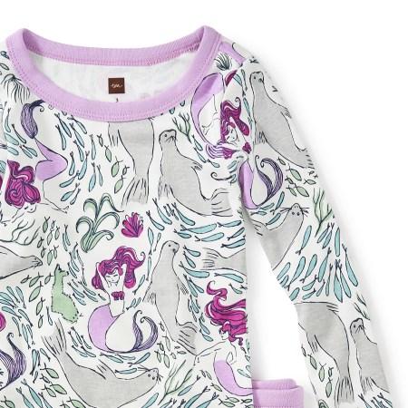 Girl Morrough Pajamas