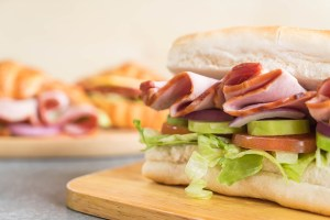 sandwich de jamón cocido