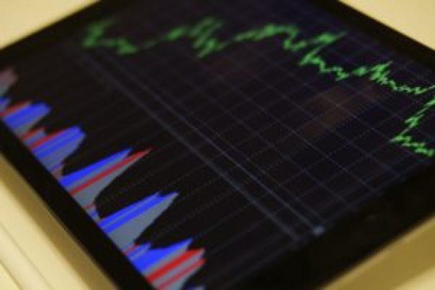 Tela de tablete com diversões gráficos oscilando entre baixo e alto.
