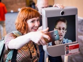 Snowden selfies: Edward Snowden roams TED2014