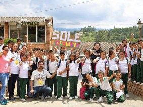 Self-organized learners around the world team up to raise money