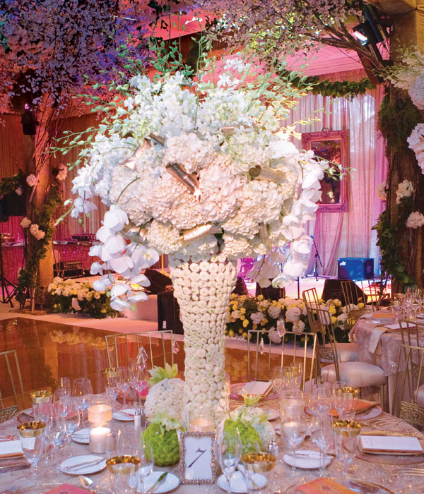 6 Beautiful Wedding Table Centerpieces And Arrangements