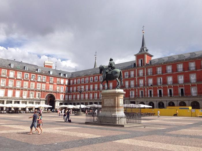 マドリードのマヨール広場。