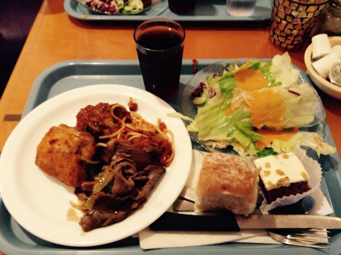 グランドキャニオンツアーの昼食。