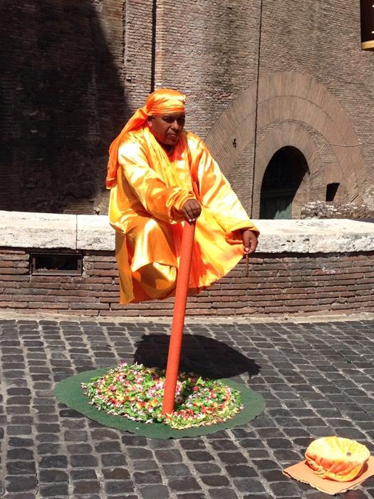 ローマの大道芸人。