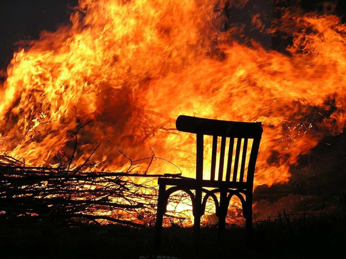 ただただ残念!建造に10年、総工費約3億円をかけた木造観光施設がオープン直前に焼失!
