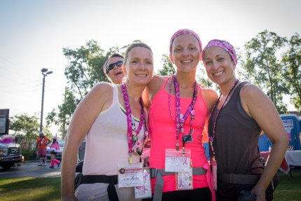 A team of Susan G. Komen Chicago 3-Day walkers gear up for Day 2