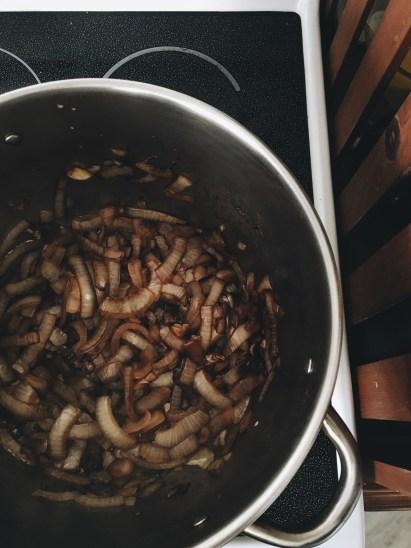 Vegan onion gravy -- The Everyday Chef and Wife