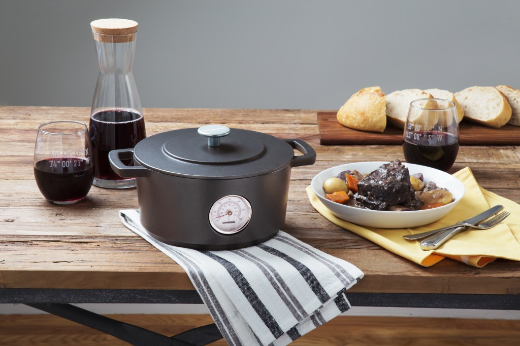 Combekk's cat iron dutch oven is built to last for perfect dinners