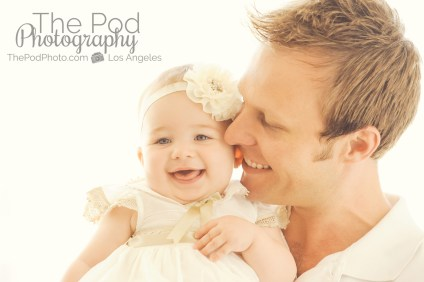 Daddy-Daughter-Snuggle-Nuzzle-Smile-Close-Up-Brentwood-Photography