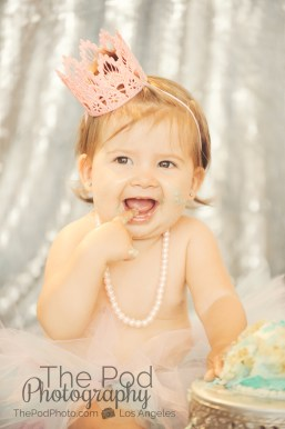 Best-First-Birthday-Cake-Smash-Photographer-Los-Angeles-SusieCakes-Teal-White-Pink-Eat-Cake-Baby-Girl-Mar-Vista