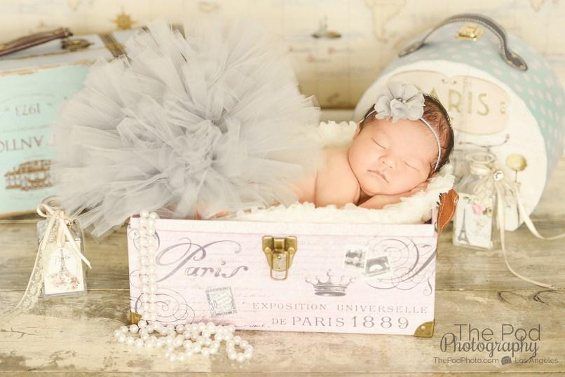 girly-gray-newborn-set-tutu-pearls-santa-monica-california