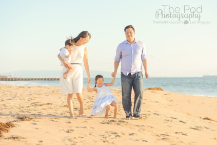 candid-beach-family-photography-5