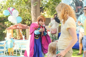 Frozen-Theme-Disney-Happy-Birthday-the-Pod-Photography-Hollywood-Events-and-Birthday-Party-Photographer