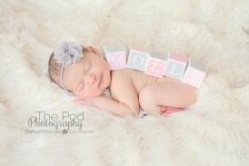 newborn-with-name-blocks