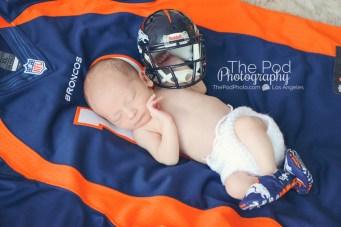 broncos-newborn-picture-football-jersey-photo