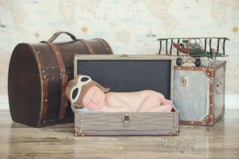 santa-monica-newborn-photo-studio-traveler-set-aviator-hat