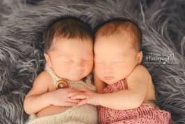 Fraternal-Twins-Newborn-Los-Angeles