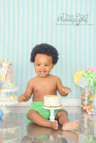 best-hollywood-photographer-first-birthday-cake-smash-portraits