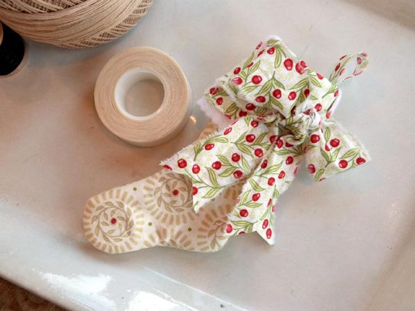 AudreyPettit Thermoweb BlendFabric ChristmasStockingsTut6