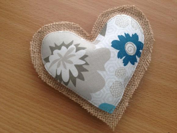 burlap_heart_valentine_garland_13