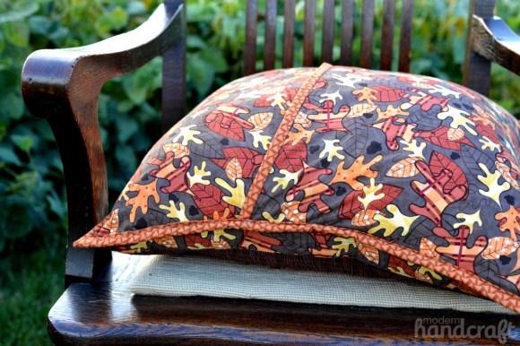 Modern Handcraft for Therm O Web // Jennifer Jangles Week - Autumn Pumpkin Pillow