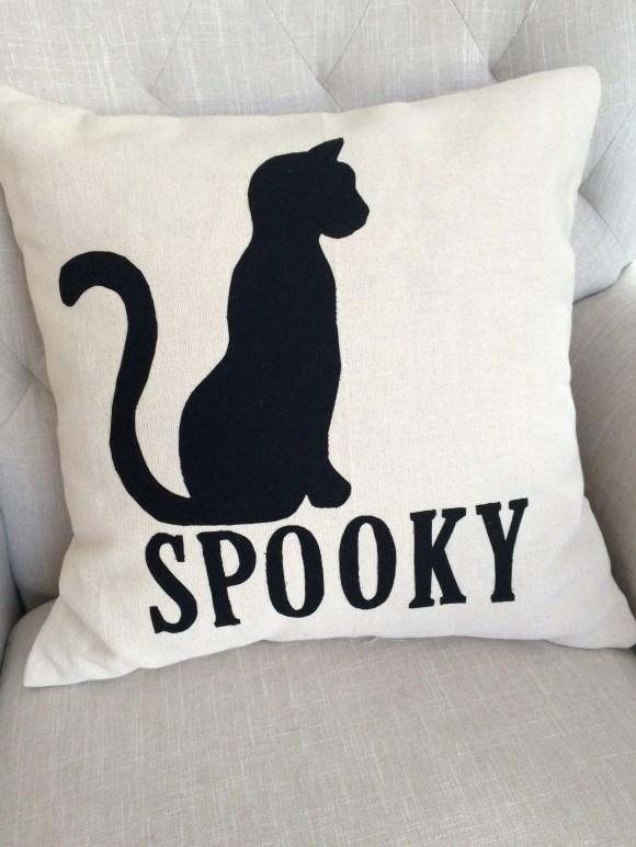 spooky Halloween pillow_7