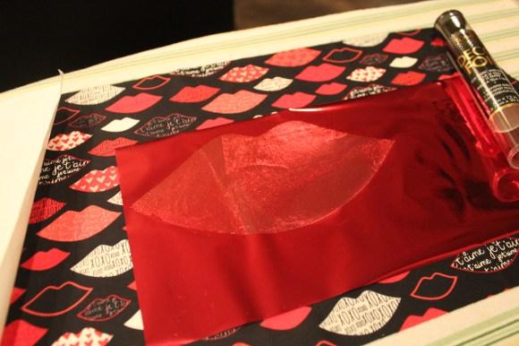 HeatnBond Deco Foil Valentine Kissy Lips Pillow