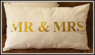 iCraft Deco Foil Gold Wedding Pillow