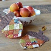 Fusible Fleece Patchwork Acorn Potholder