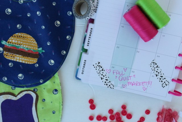 Heat N Bond Appliqué Baby Bib & Counting Book | www.blog.thermoweb.com