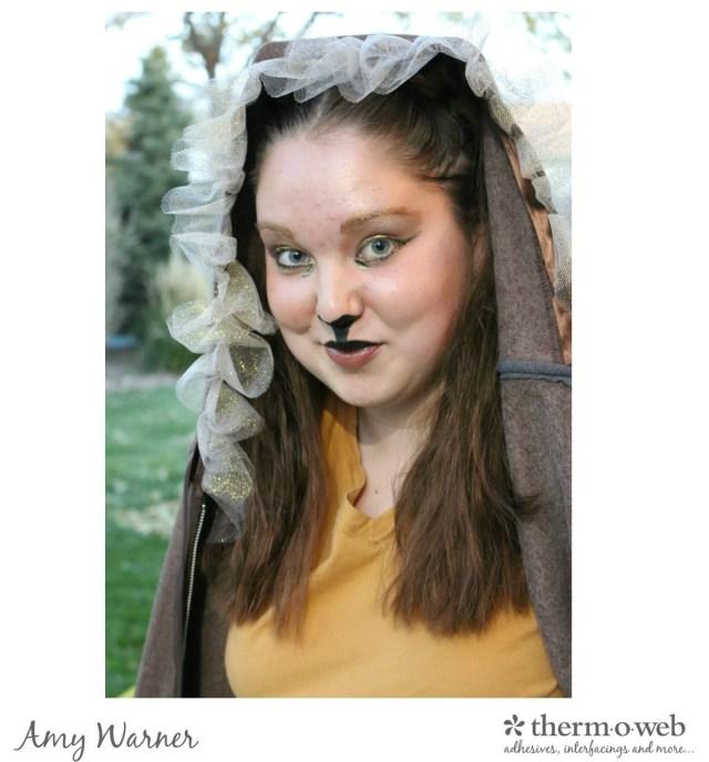 Lion Hoodie Amy Warner
