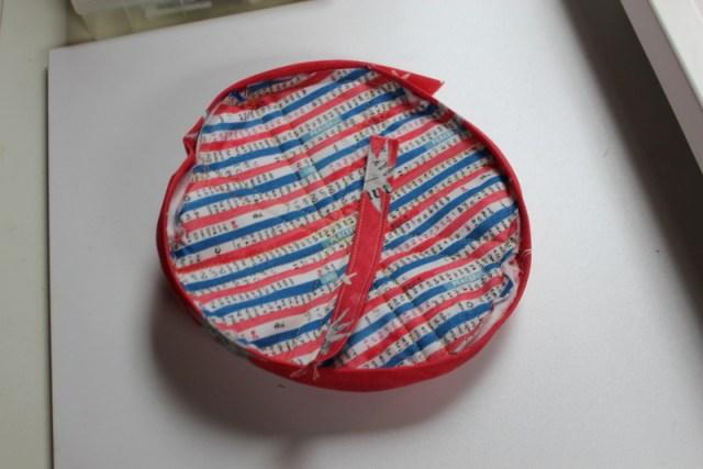 binding on apple potholder