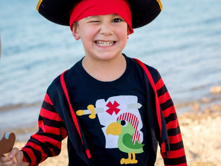 HeatnBond Dark Pirate Applique Shirts