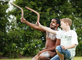 Be taught by an Aborigine how to throw a boomerang