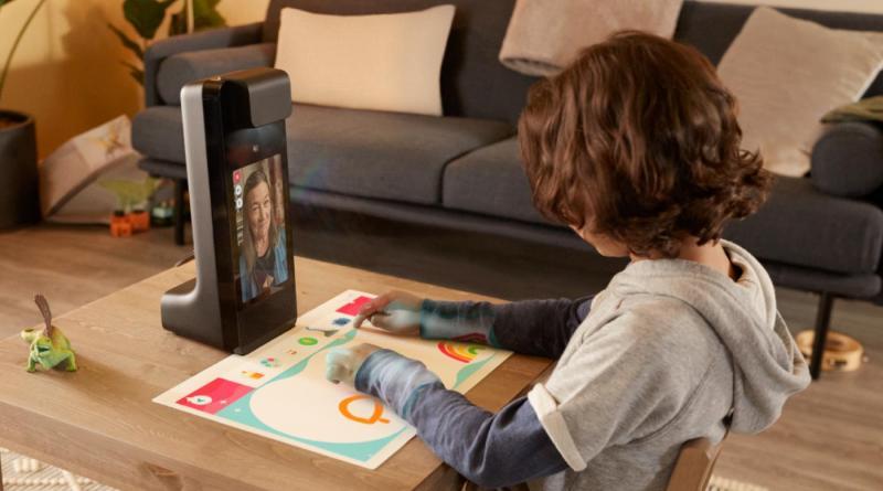 amazon-presente-le-glow,-une-station-de-video-call-ludique-et-interactive-pour-les-enfants