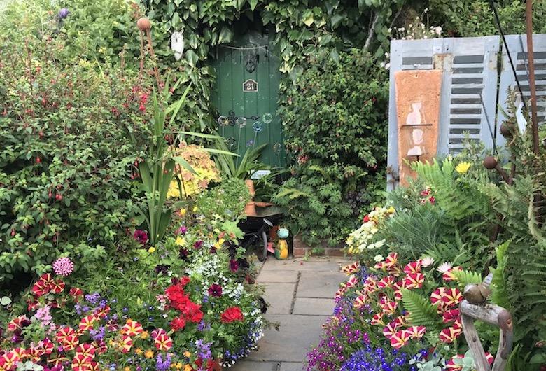 Garden zones in Geoff Stonebanks Driftwood Garden