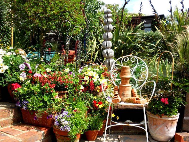 Geof Stonebanks terracotta pots in Driftwood Garden